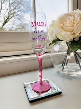 'Mum In A Million' Glitter Prosecco Glass